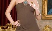 Glamour Models Gone Bad Carli Banks Bigboobed Carli Banks On The Sofa Masturbating