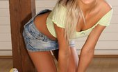 Only Cuties Kamille - Country Style0 Lithe Hottie Nudes And Dildos Her Juicy Quim To Sweet Orgasm