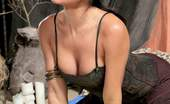 Hustler Parodies Spencer Scott & Kristen Price This Ain'T Game Of Thrones XXX Daenerys Fucks Her Handmaid