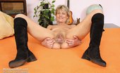 Mom Loves Mom Magda Midle Aged Magda Hole Plastic Penis Masturbation