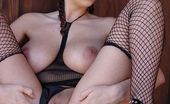 Busty Cafe Gianna Michaels Gianna Michaels Exposing Her Large Tits