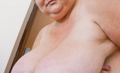 OMG Big Boobs Daphne Mature Saggy Breasts