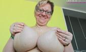 OMG Big Boobs Tiffany BBW Big Nipples