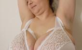 OMG Big Boobs Alice Bra Tease