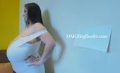 OMG Big Boobs Alice-85jj-Gigantomastia-Breasts