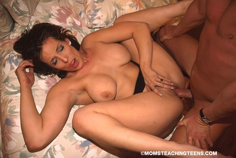 Hot Justine Pornstar mrs stanley fucking sexy!