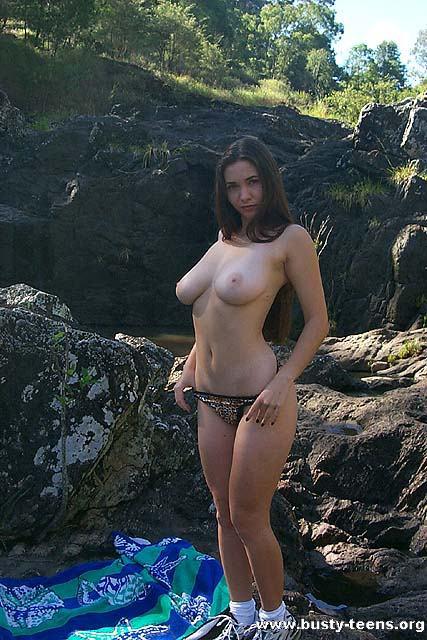 Cécile Martinez  nackt