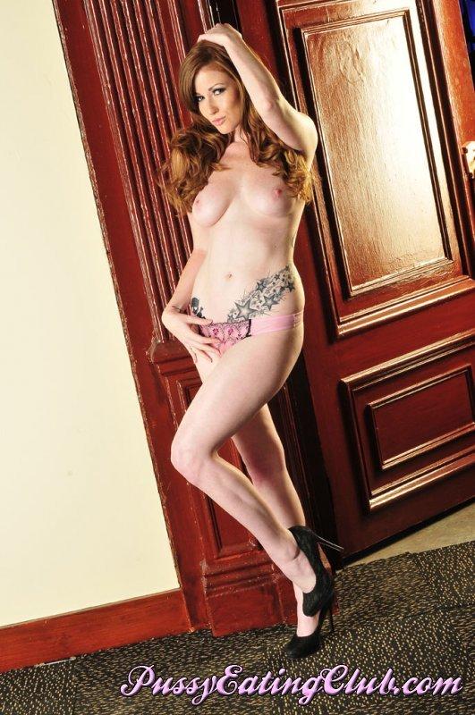 Paula Rhodes  nackt