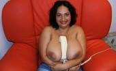 Divine Breasts Diane Picture Set 3