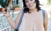 Divine Breasts Bianca Bloom Picture Set03