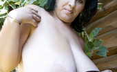 Divine Breasts Bianca BBW Big Boobs Hike