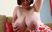 Divine Breasts Pam Hard Nipples Big Boobs