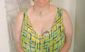 Divine Breasts Tiffany BBW Bra Take Off