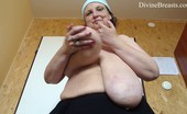 Divine Breasts Anika Long Tits Swinging