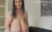 Divine Breasts Alice 85JJ Tit Suck Play