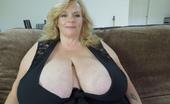 Divine Breasts 410362 Suzie Sexy Ample Bosom