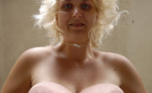 Divine Breasts Sonja Long Boobs Blond