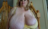 Divine Breasts Suzie 44K Giant Boobs Milf