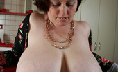 Divine Breasts Pam Milf Huge Breasts