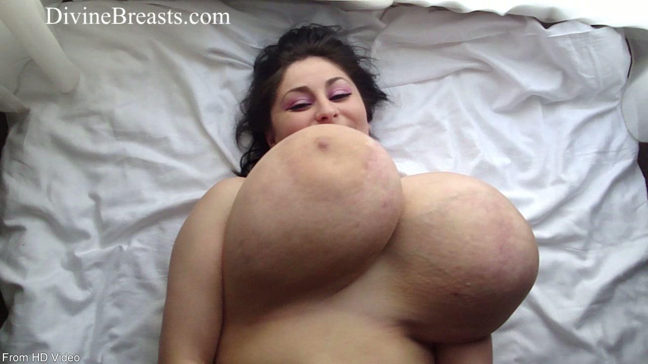 Desi tiny boobs pic