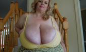 Divine Breasts Suzie 44K Giant Boobs Milf