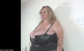 Divine Breasts Suzie 44k Self Sucking