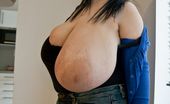 Divine Breasts 413741 Alice 85JJ Big Boobs Home Play