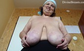 Divine Breasts Anika Long Tits Swinging