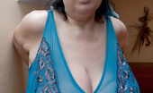 Divine Breasts Anika Ditches Her Big Bra