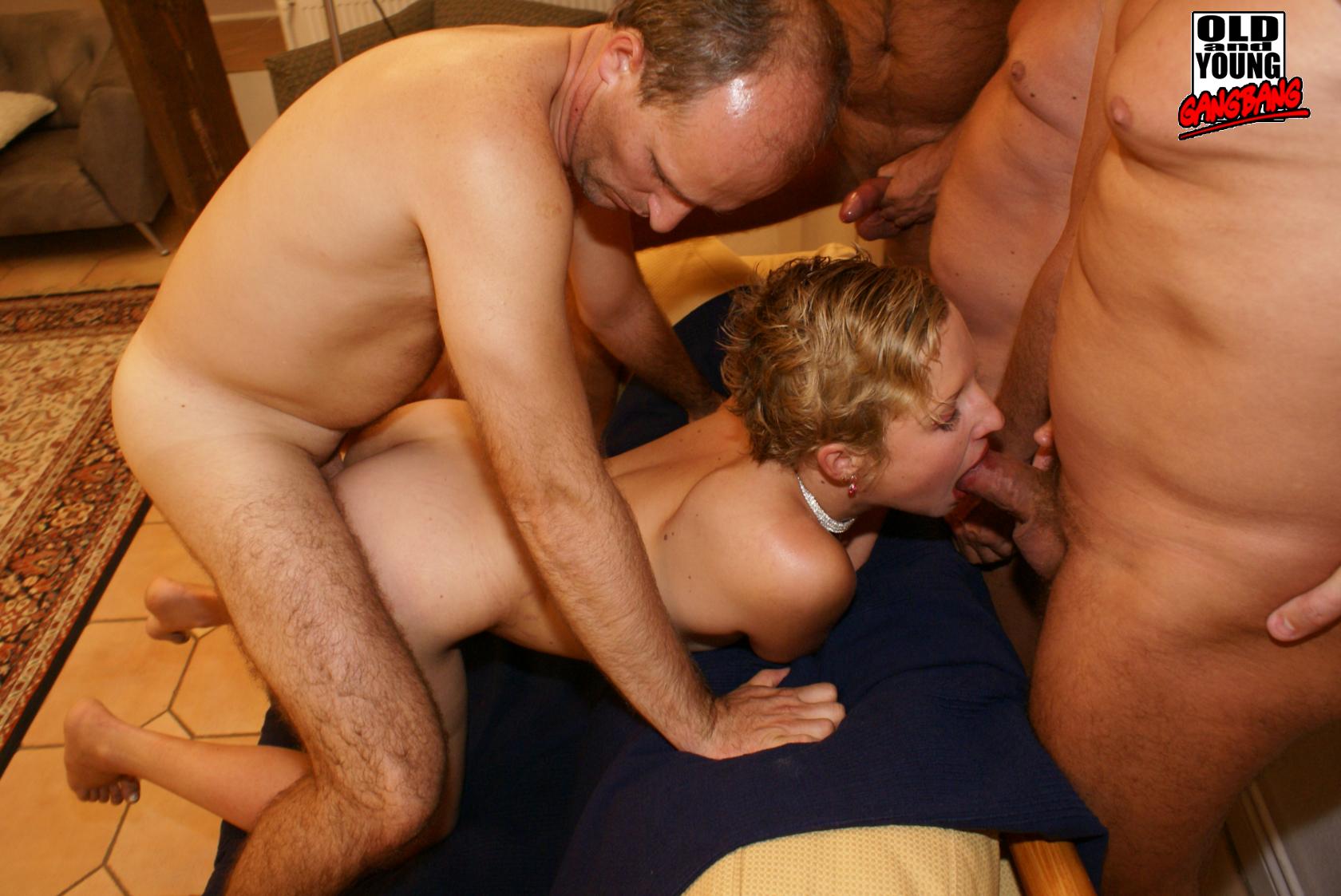 Смотреть порно с молодой проституткой 3 фотография