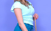 Pin-Up Wow Cinderella Left Alone To Tease Us Whilst Her Sisters Party!
