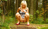 Pee Hunters Outdoor Peeing Show From Loose Yet Sexy Blonde Ho