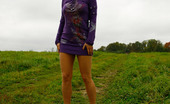 Pee Hunters Naughty Babe Pees Alfresco During Countryside Walk