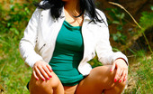 Pee Hunters Hot Babe Goes Out Commando And Pisses In The Woods