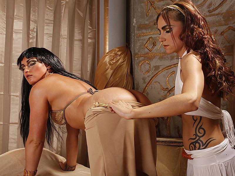 царицами эротика клеопатра с