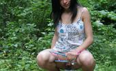 Hot Pissing Dizzy Pissing Vagary Perky Brunette In Cute Dress Shows Her Dizzy Pissing Skill In The Park