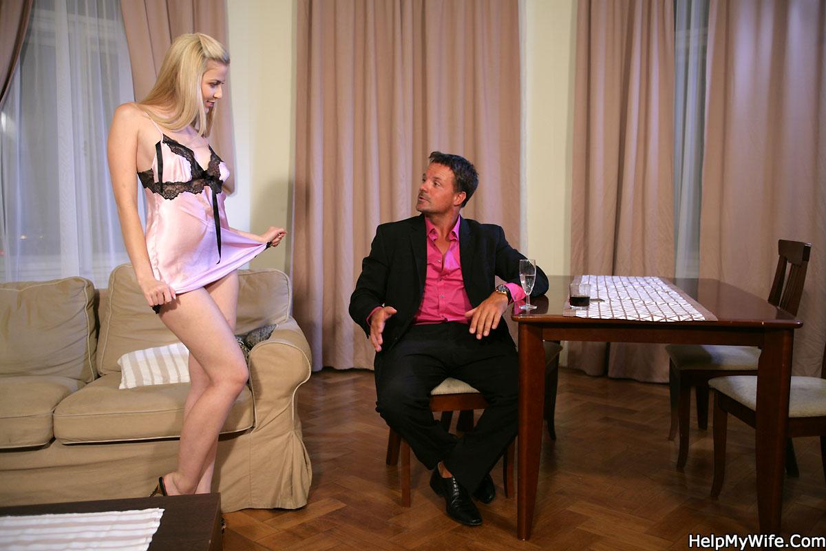 Young sexy blonde masturbating(6).mp4