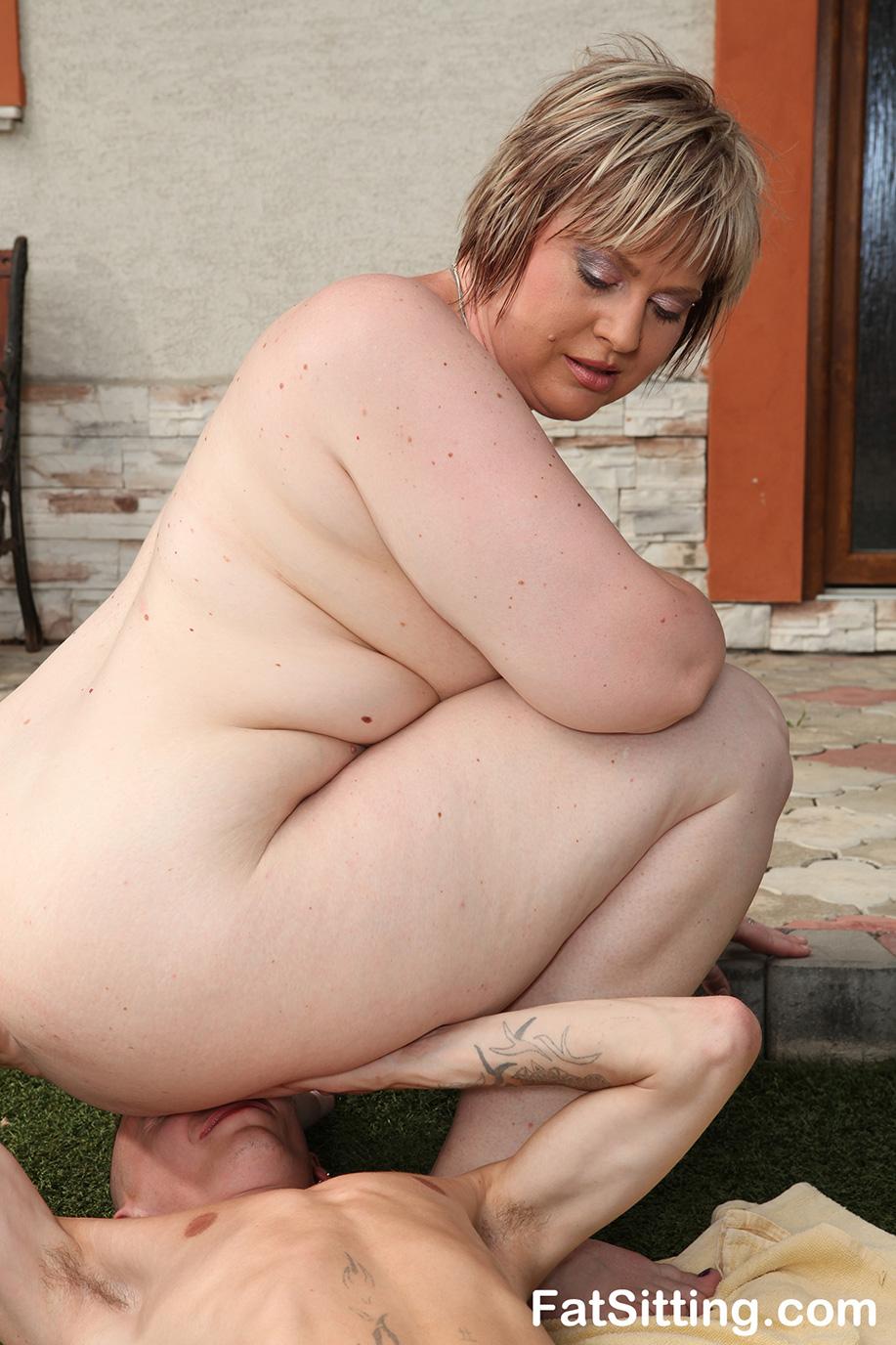 Amazing bbw mistress diana facesitting