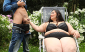 Fat Sitting A Guy Spies On BBW Jitka & Gets Punsihed