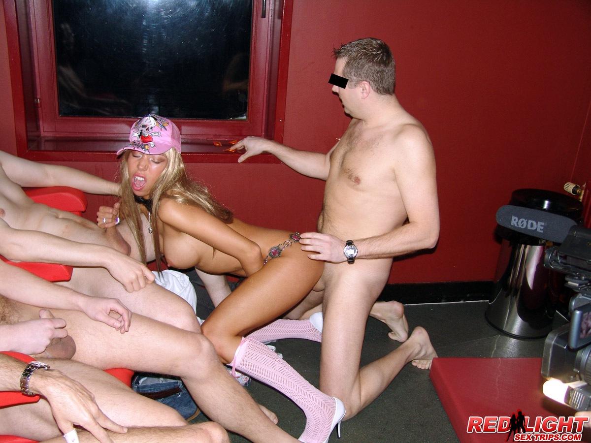 seks-striptiz-doma