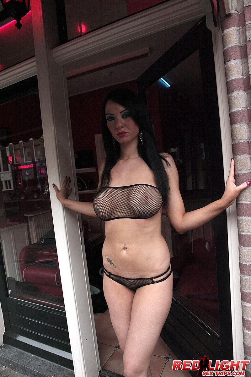 Latoya masturbates her hairy pussy for america 7