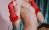 Skokoff Vika Bleach-Blonde Mama Nude Save For Lacy Red Gloves