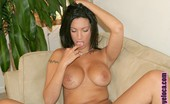 Oye Loca Giselle Sexy Ass Brunette Goes From Tanning Outside To Fucking Inside