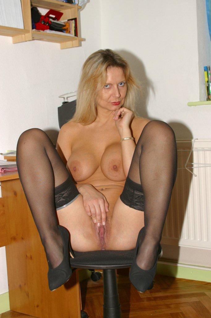 Bedfordshire Blonde Amateur Secretary At Work 433023 - Good Sex Porn