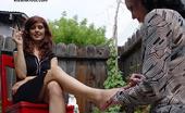 Kiss Her Foot Kiss Her Foot D9