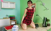 In Focus Girls Mae Orifice Equipment Saucy Secretary Pleasures Swollen Dripping Pussy With Toy