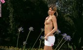 In Focus Girls Arina Garden Pose Beautiful Brunette Nudes And Shows Perfect Ass In Garden