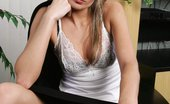 In Focus Girls Barbara On The Job Exquisite Lady Undresses And Dildos Bald Snatch On Table