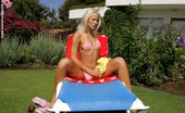 In Focus Girls Dorina Pink Bikini Sunbathing Blonde Hottie Spreads And Dildos Pussy In Garden