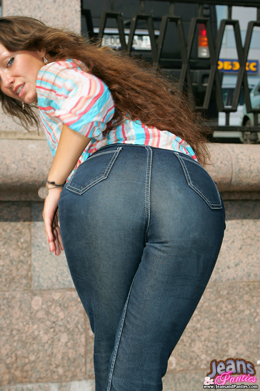 Фото ебли в джинсах 1 фотография